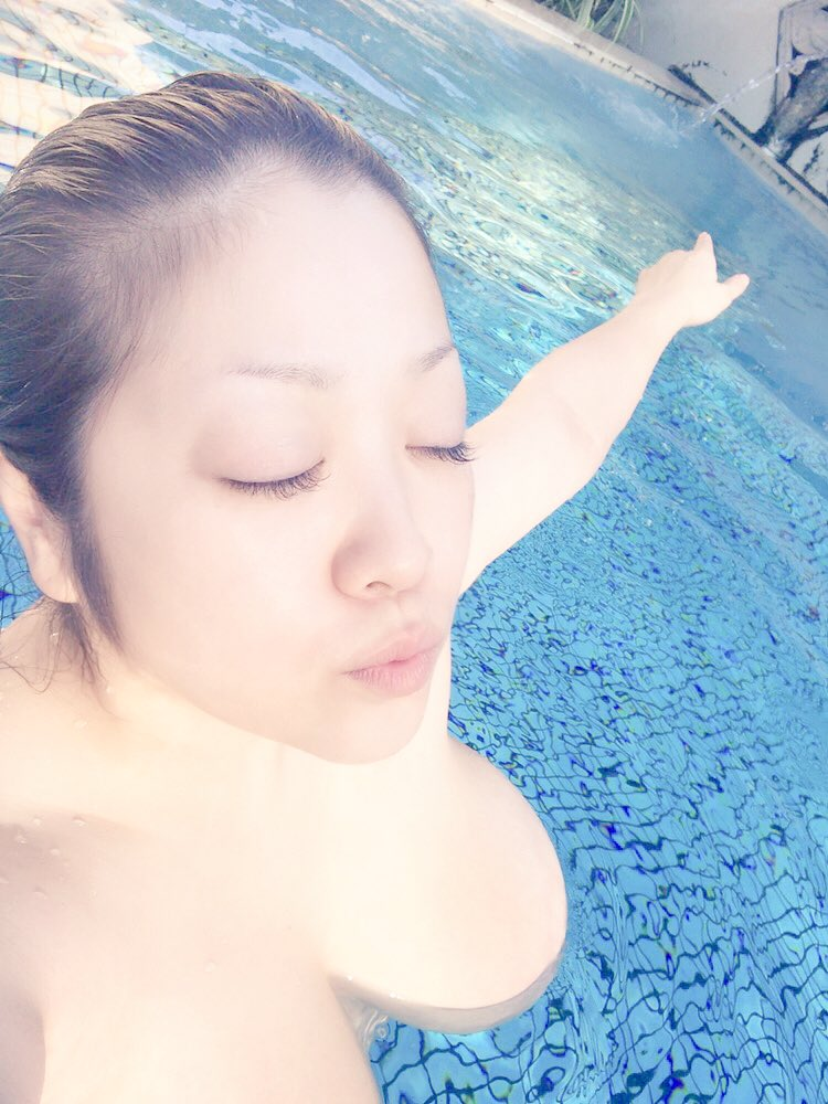 小向美奈子(32)誰得感あるHカップ生乳の自画撮りww【エロ画像】 表紙