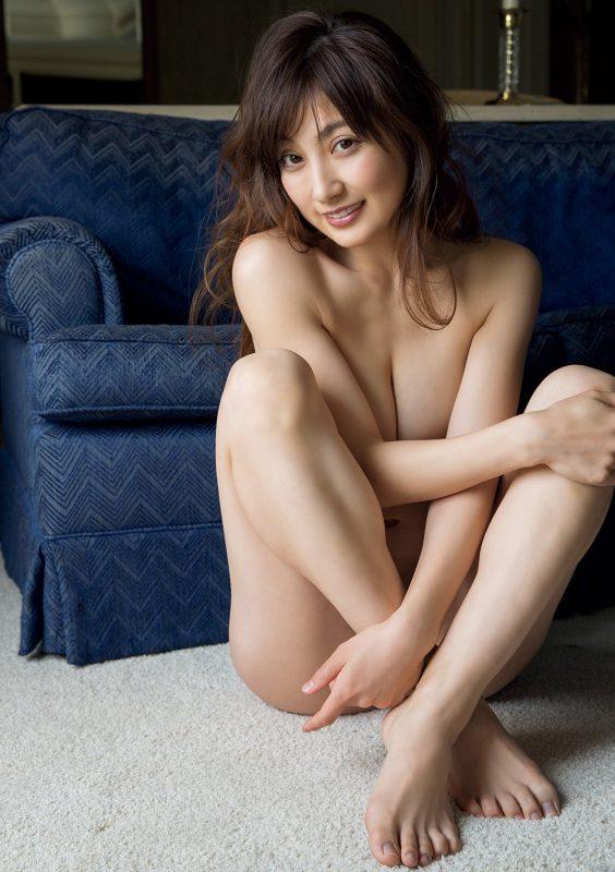 [お宝NAVI] 熊田曜子(34)セミ裸体写真集でオナネタ大放出!!!!【エロ画像】