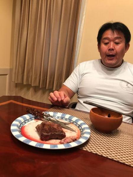 【芸能】ダイエット中の花田虎上、ステーキ完食できず「やはり胃が小さくなっているのか」