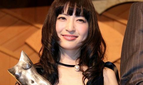 神田沙也加、私服姿がお人形さんみたい!可愛すぎると話題に