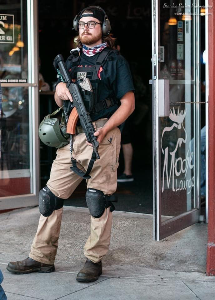 芸能NEWS+|エンタメ情報まとめ!アメリカ人、自分たちの店を守るため武装し始める※画像コメント