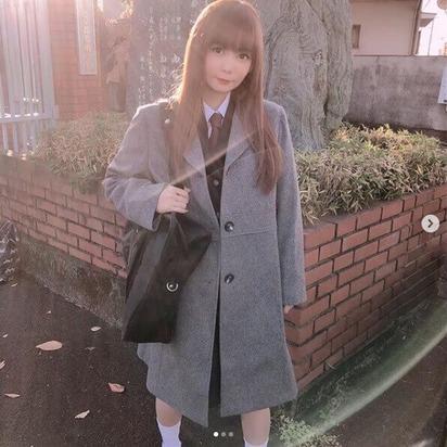 中川翔子制服ショット