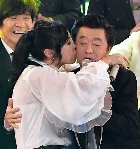 NHK紅白、サザン、大トリ後のラスト唱で大暴れwwwww