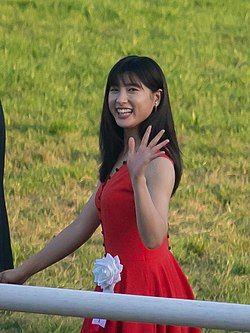 土屋太鳳さんが番組収録中に号泣…カメラ停まったハプニング現場