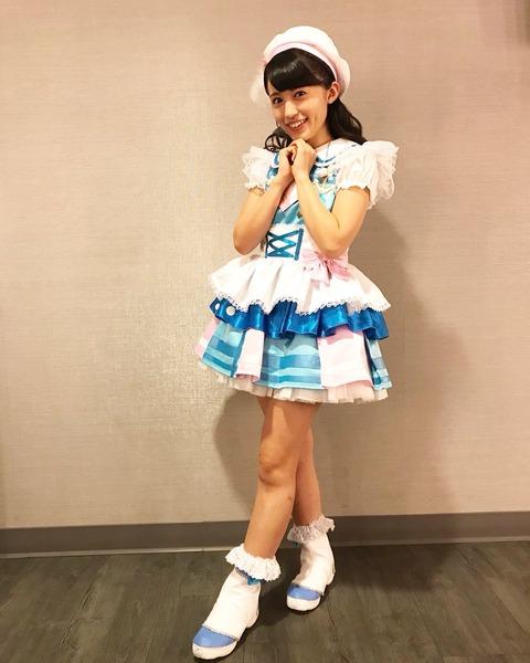 「声優界最高の美女」逢田梨香子、初めての水着&ランジェリー 見せたことのない表情解禁