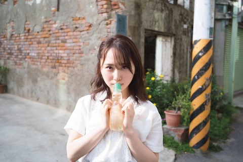 "【AKB48】「美少女」高橋朱里、""色白美肌の美バスト""ついに解禁"""