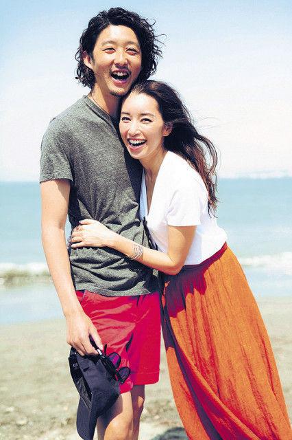 42歳の人気モデル・仁香(にか)、16歳年下のカメラマン柴田翔平氏(26)と熱愛