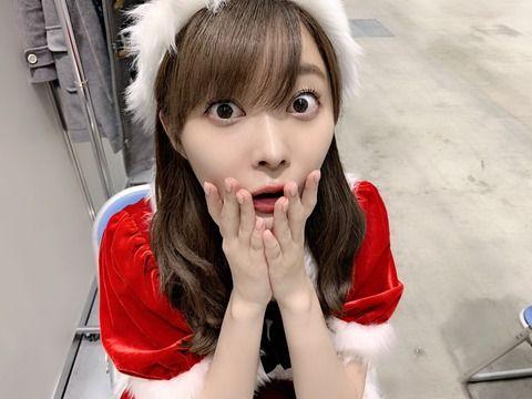 指原莉乃さんの美人サンタコスがヤバすぎる 「目が怖い」「顔が変わった」と衝撃の展開にwwwww