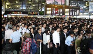 【JR品川駅大混雑】線路上にキャンプ用テーブル 「人為的」か「強風」か=昨夜のNHK「クロ現」が予言!?