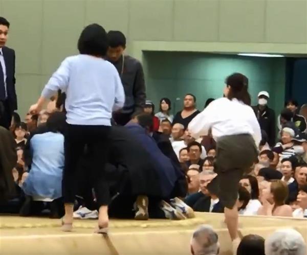 【大相撲舞鶴場所】救命女性降りた土俵に清めの塩!? 相撲協会「女人禁制とは無関係」