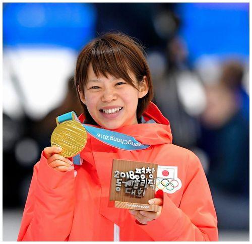 【マススタート初代女王】高木菜那選手、世界一のカーブ滑走技術で金メダル=日本女子初の同一大会2個の「金」