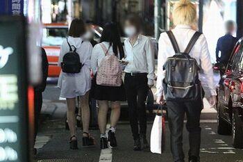 【新宿クラスター】ホスト店オーナー「悪いのは保健所。若いから重篤化しない…インフルで亡くなる人とどっちが多いか」=文春オンライン