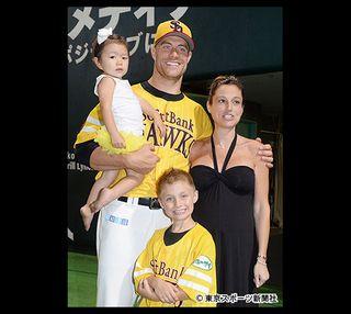 【ソフトバンク】ジェイソン・スタンリッジ投手 養子に迎えた日本人の女の子ケインちゃんお披露目