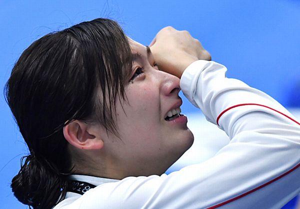 【池江璃花子6冠】「安堵の涙」高校生活最後の夏、日本勢単独最多で締めくくる=6度の「君が代」「日の丸」