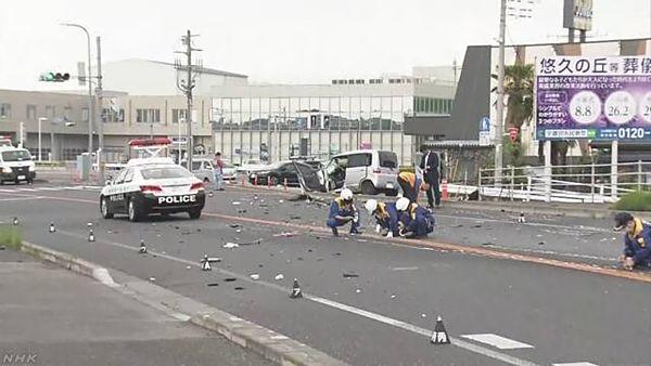 【栃木宇都宮】パトカーから逃走中の車、対向車線にはみ出し衝突=軽乗用車の男性死亡