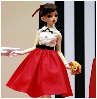 【京都高島屋】100体限定の美少女人形「ロリーナ」 男が買い占め=転売目的か