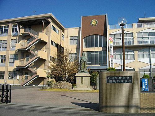 【栃木】足利大学附属高校、校舎脇で女子生徒2人死亡=7階窓際に2人の靴
