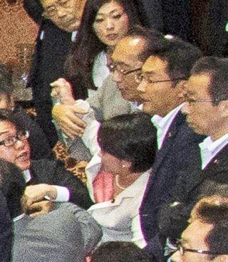【安保法案採決】民主党・津田弥太郎参院議員を告訴か 自民・大沼瑞穂議員にセクハラ暴行、怪我負わす