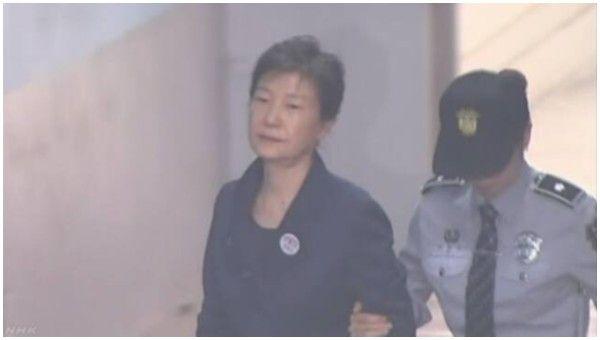 【ソウル中央地裁】朴槿恵前大統領、懲役24年の実刑判決と罰金18億円=判決生中継も欠席