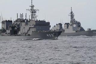 【横浜市】海上自衛隊イベントで「ドローン」落下 岸壁にいた男性、潜水艦救難艦「ちはや」撮影目的で飛ばす