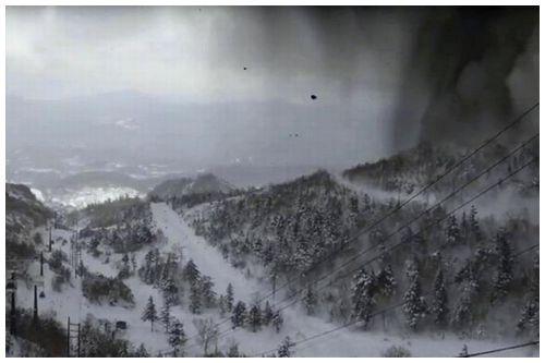 【本白根山噴火】3000年ぶり「想定外」の火口、前兆活動観測されず
