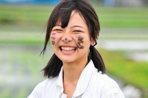 【農業アイドル訴訟】大本萌景さん遺族と事務所、「12万円」めぐりドロ沼化=天国の萌景さんは泣いている…