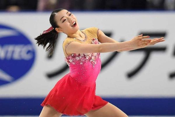 【NHK杯フィギア結果】紀平梨花、SP5位から逆転優勝 宮原知子は2位