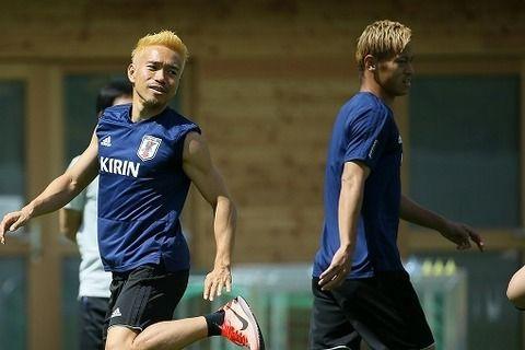 【サッカー】<長友佑都>本田圭佑に苦言!「圭佑なんかもまだまだ走んなきゃいけない。もっとミスを減らしてくれないと、勝てない」