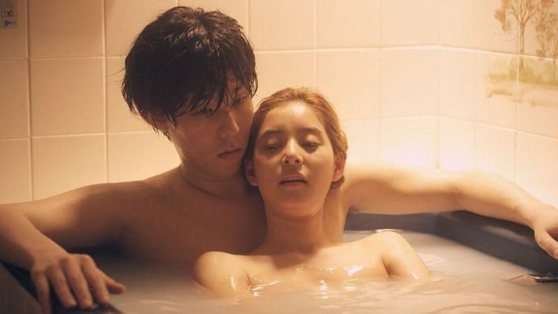 新木優子のお風呂でおっぱい