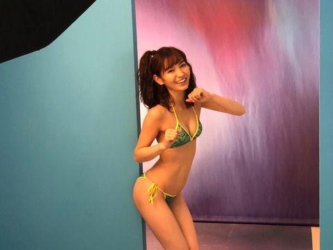 【グラビア】可愛すぎる売り子・ほのか、水着姿で美ボディ発揮「ヤンジャン」グラビア