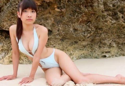 森川彩香ちゃんの変態水着で股間の食い込み感がエロエロに