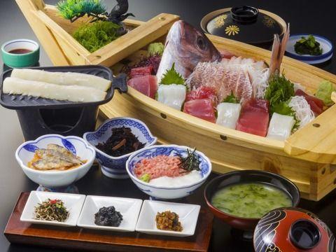 石巻の定食屋「舟盛り定食1000円ね」→出てきたのがこれwwww