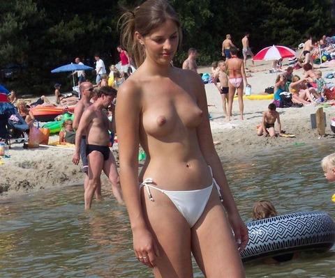ヌーディストビーチ (16)