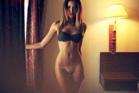 美女美乳巨乳 (38)