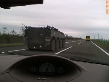 自衛隊車両