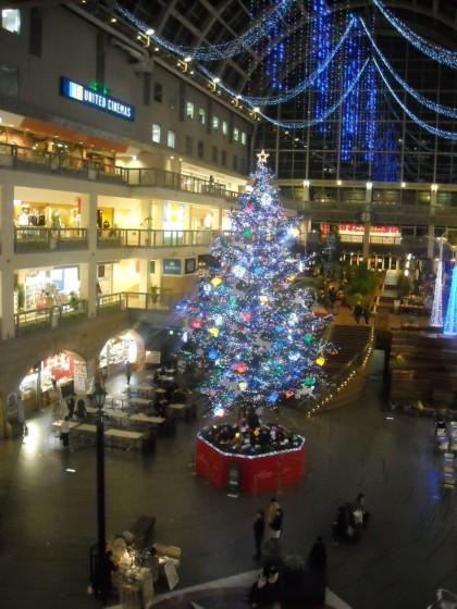 札幌ファクトリーのクリスマスツリー