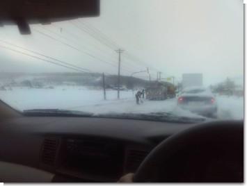 納内近郊でのトラック事故