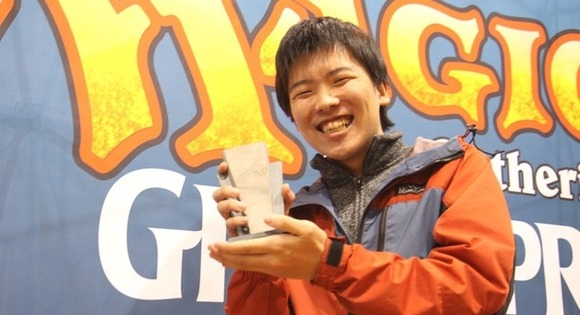 【MTG】タルキール覇王譚リミテッドにて行われたグランプリ静岡2015 優勝はトップ8ドラフトにて5色デッキを組み上げた篠田滉人選手、準優勝は中国・孫博選手に