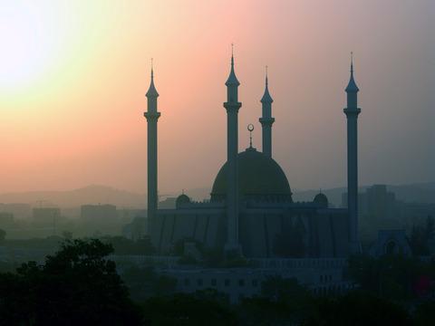 イスラム教犠牲祭が始まる 各地でのテロ警戒を