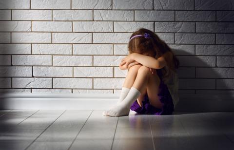 児童相談所、通所児童の自殺 一時保護の職権を思いとどまるべきではない