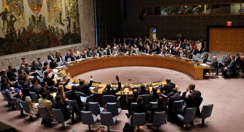 安保理がテロ防止で全会一致 空爆反対論者への反論