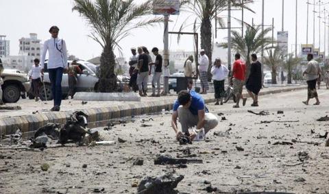 アルジャジーラ アデンの道路テロ