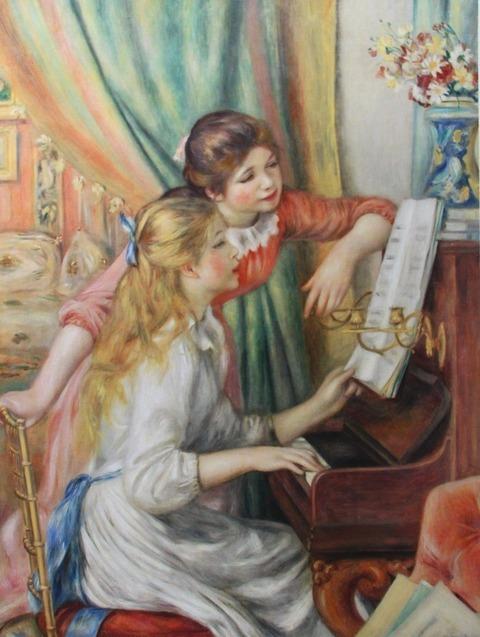 7月27日ピアノを弾く娘たち1