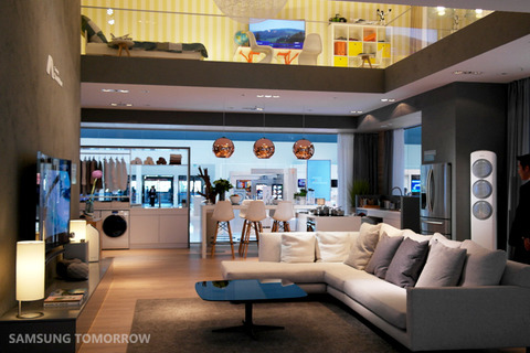 Samsung-Smart-Home-booth-at-IFA-2014