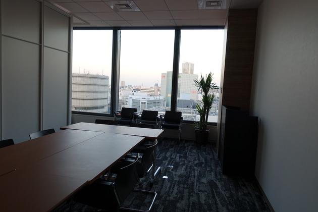 弊社で1番広い会議室。こんな感じのアングルでしたね。(再び3回目)