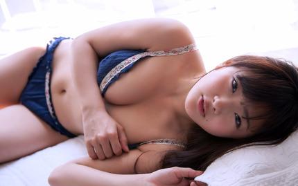 gmwp_AizawaNiina_b001_005