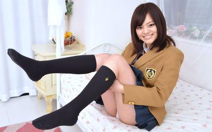 avwp_AoyamaMiku_b002_001