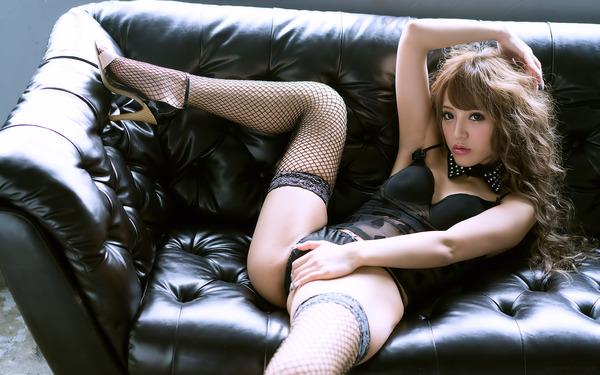 avwp_YurisakiUrumi_b003_002