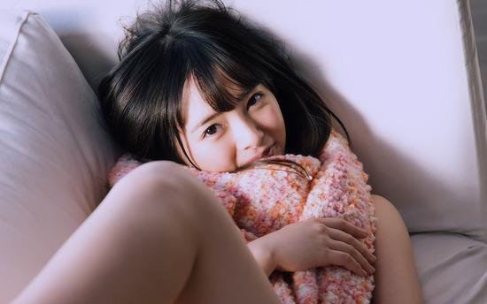 avwp_OguraYuna_b002_003