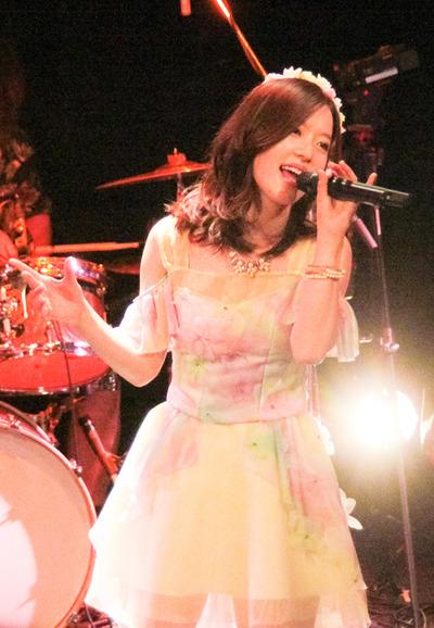 main_ArtistPhoto_Live_web